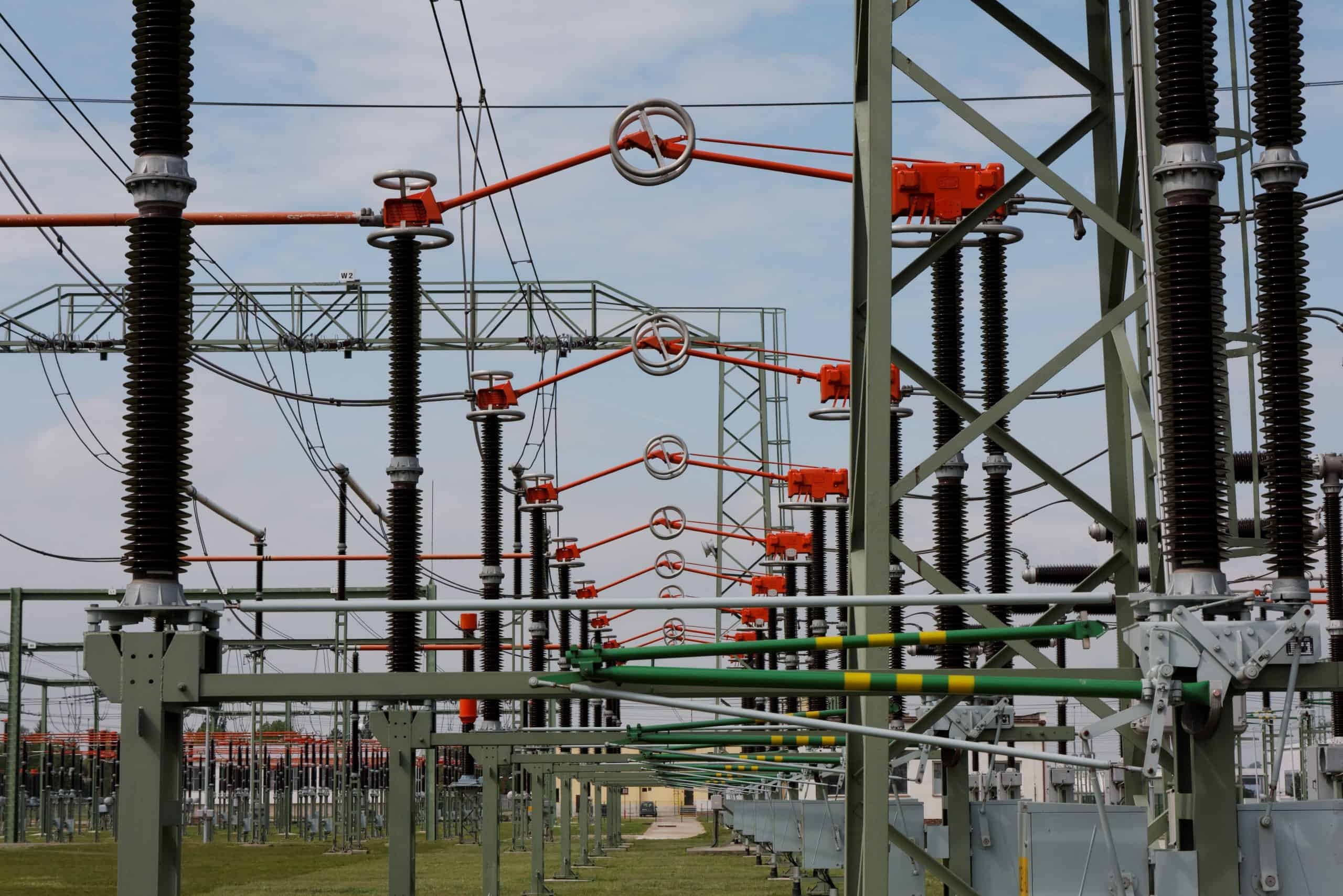 Substation with switches
